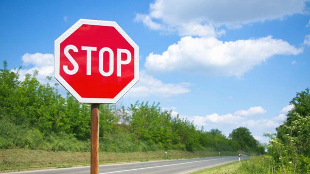 el rojo para la señal de stop