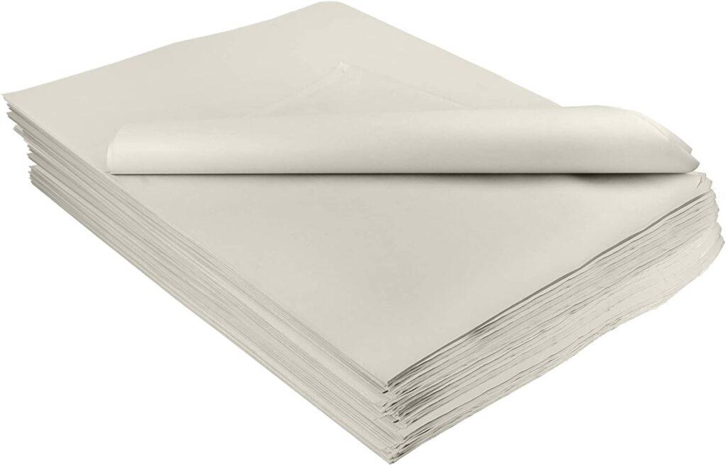 Taco de folios de papel prensa.
