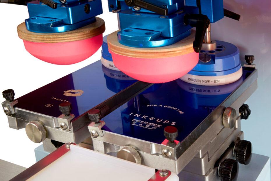 Máquina para impresión en tampografía.