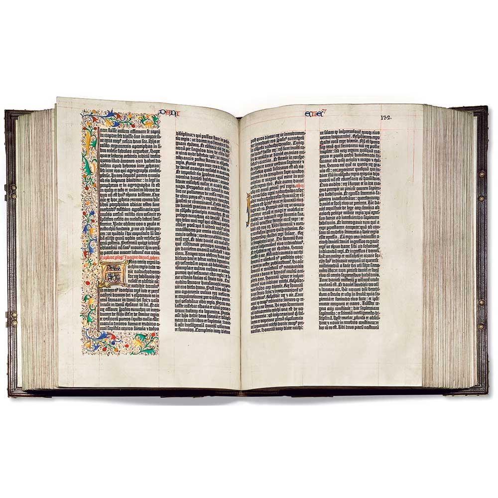 La biblia de gutenberg es el primer libro que Gutenberg imprimió en su imprenta.